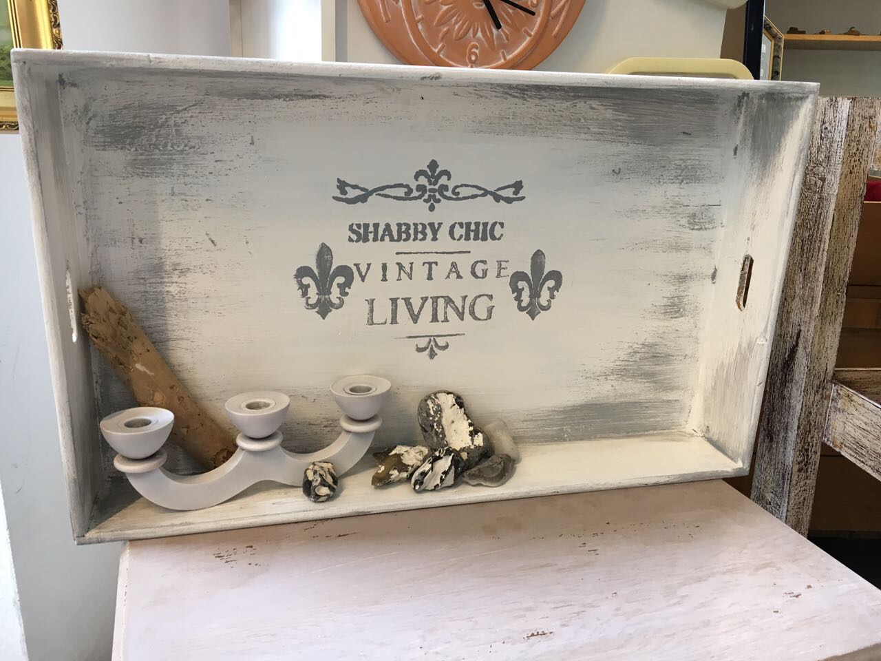 Shabby look Regal aus Upcycling im MAGAZIN Nähe Koblenz
