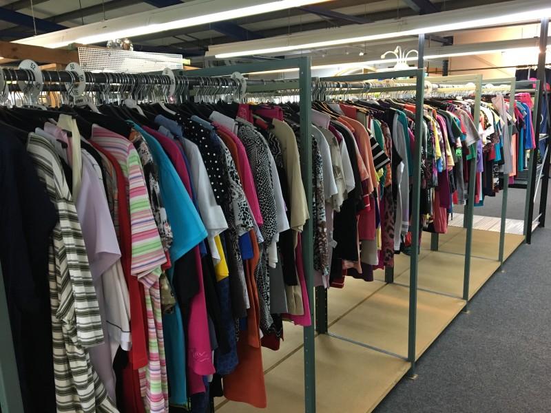 Kleidung gebraucht aus MAGAZIN Halsenbach